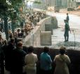 Doc 6 - La construction du mur de Berlin dans la nuit du 12 au 13 août 1961